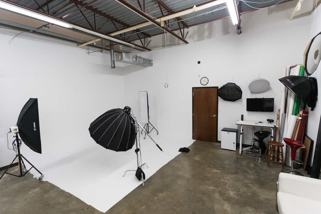 photography-studio-rental-cyc-wall