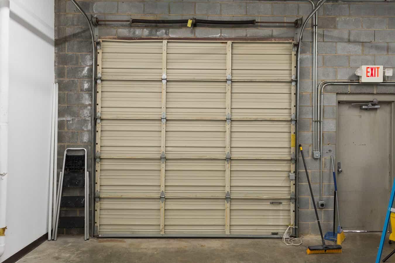 Photography studio rental garage door photographers in for Garage with studio